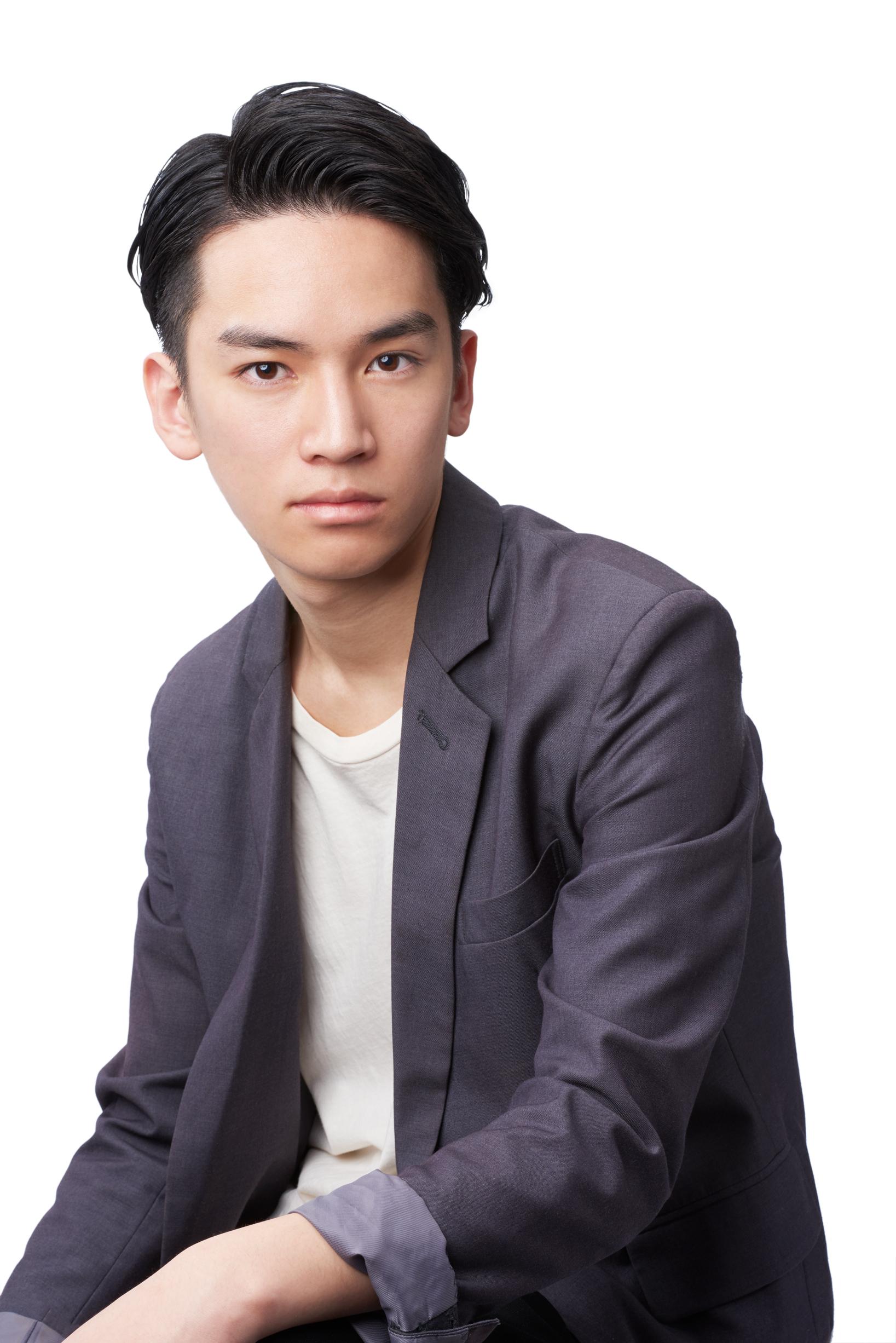 Korean Side Parted Hair